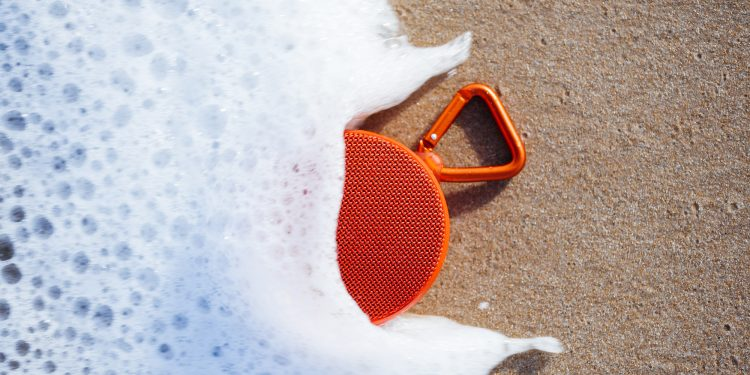 wireless waterproof speakers